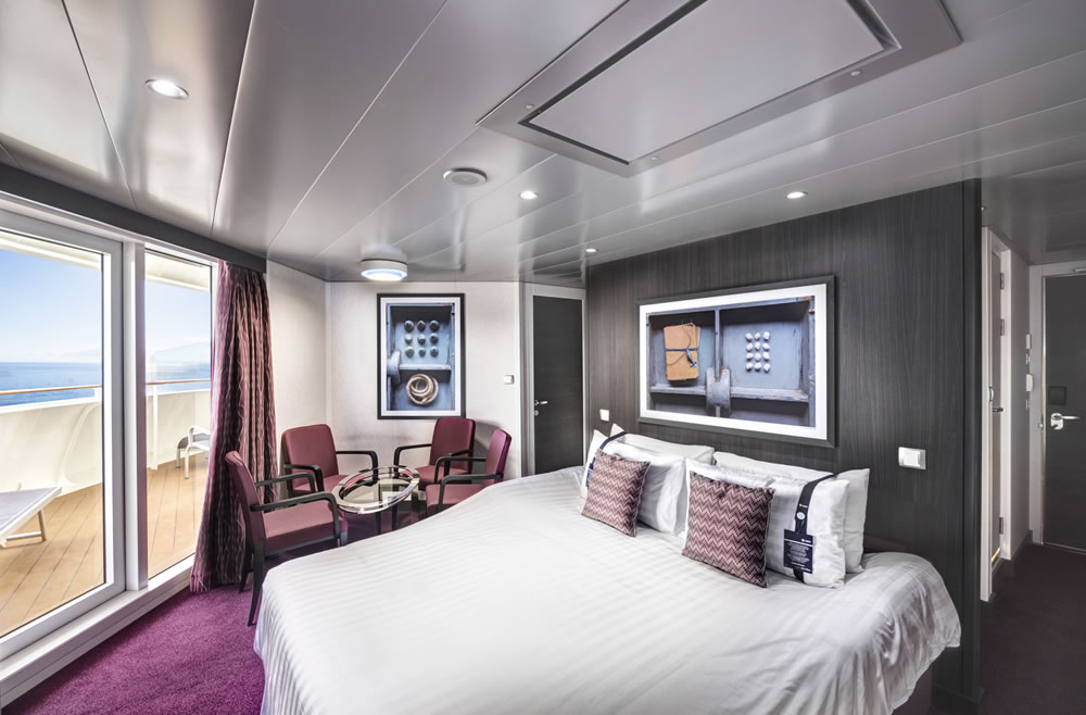 View Msc Grandiosa Grand Suite With Whirlpool  Background